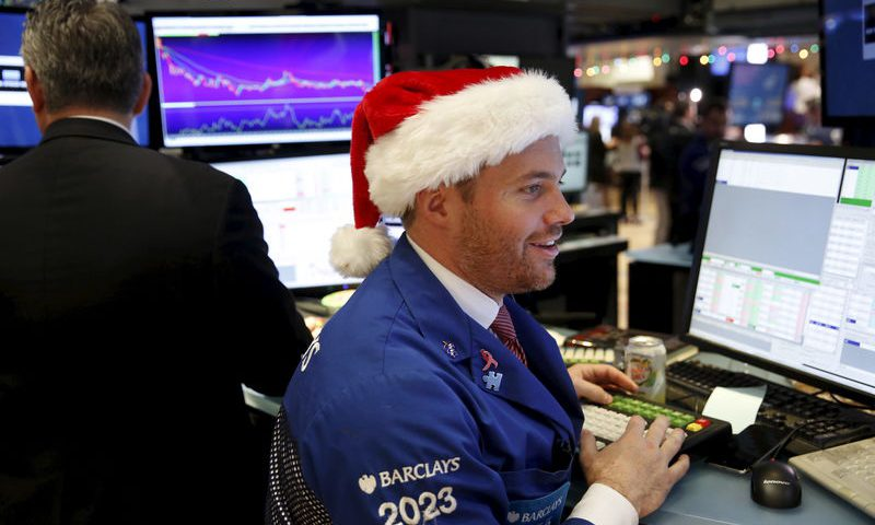 European shares edge lower ahead of Christmas holiday break