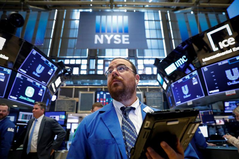 Stocks – Wall Street Hits Records as Tech Rallies, Virus Fears Ebb