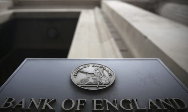 Sterling Slips vs Dollar, Euro as Vlieghe Fuels Rate Hopes