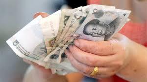 Forex – Yuan Hit Hard as Trading Reopens