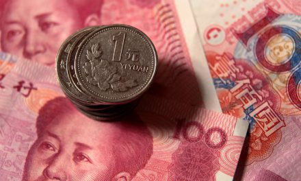 Yuan Turns Into Global Risk Bellwether as China Leads Recovery