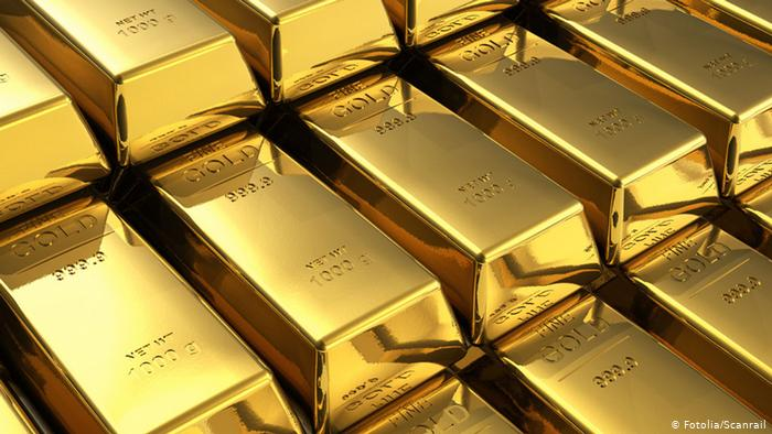 Gold Price Crashes as Dollar Pulls Up from Record Lows